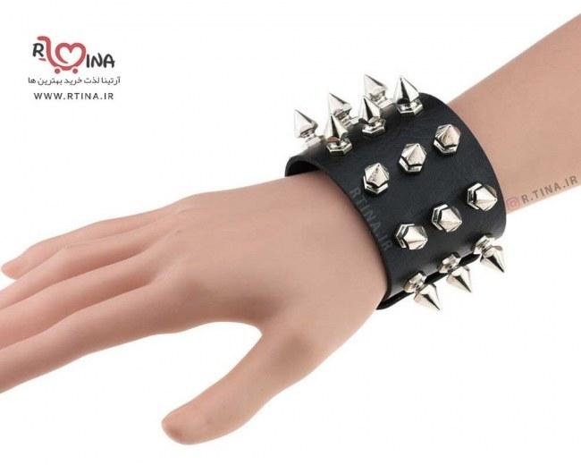 عکس دستبند چرمی میخ دار  دستبند-چرمی-میخ-دار