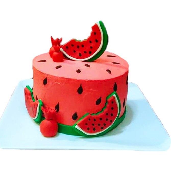 کیک خامه ای تم یلدا فیلینگ موز و گردو |