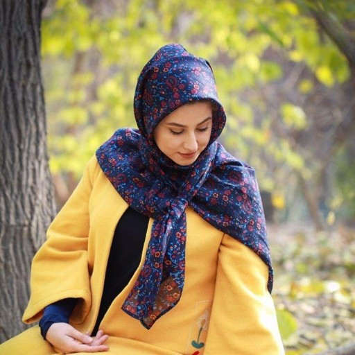 روسری زنانه نخی ( طرح سرمه ) |