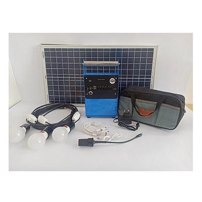 تصویر پکیج خورشیدی 30 وات دارای 3 لامپ 3 وات مناسب روشنایی و شارژ موبایل