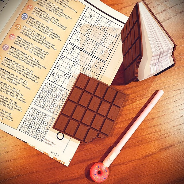 main images دفترچه یادداشت شکلاتی