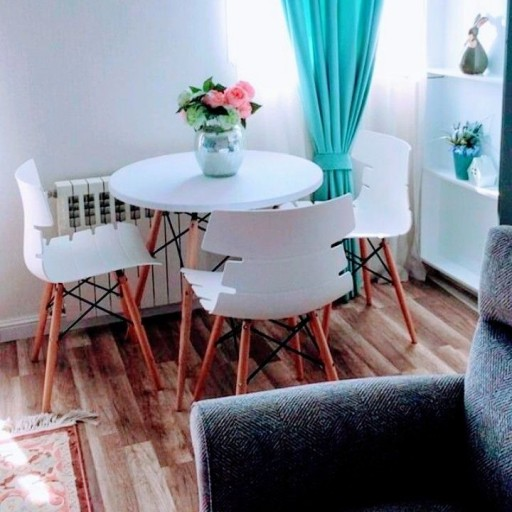 سرویس چهارتیکه میز و صندلی با چوب پایه راش