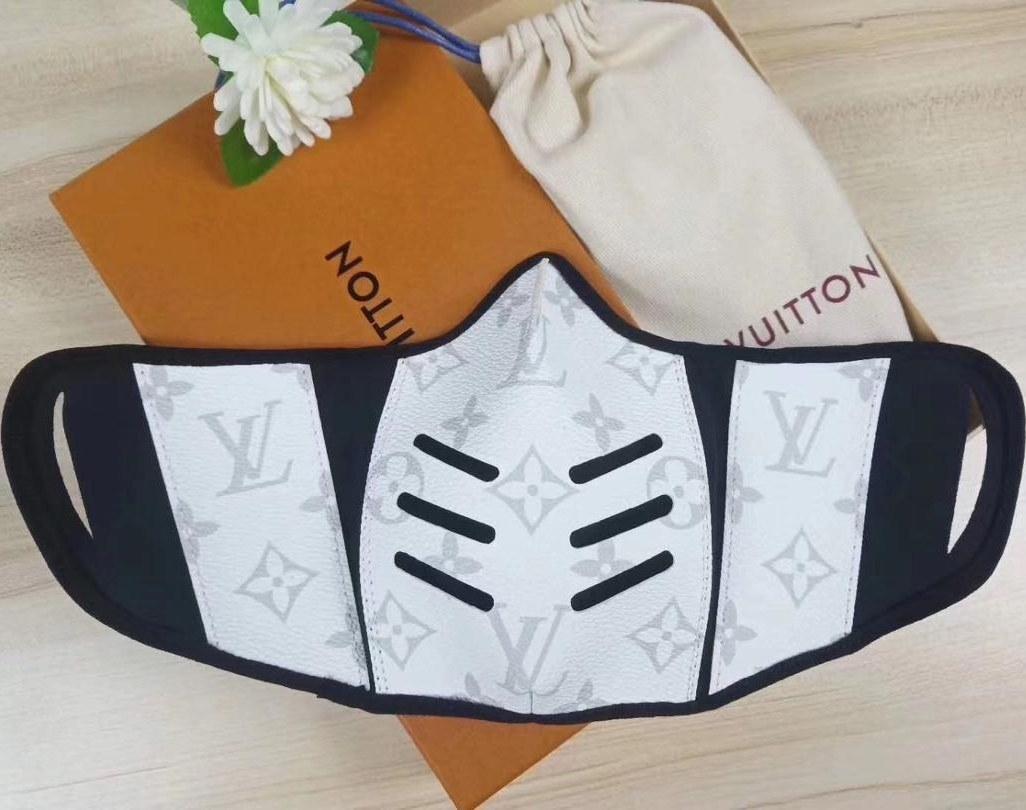 عکس ماسک لویی ویتون اورجینال رنگ سفید  ماسک-لویی-ویتون-اورجینال-رنگ-سفید