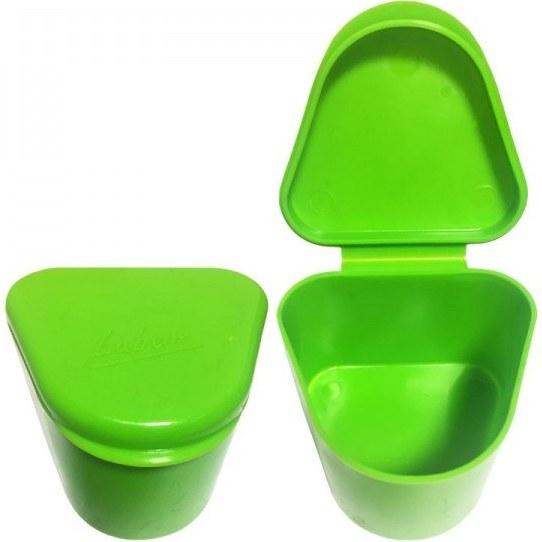 تصویر ظرف نگهداری (جای دست دندان) و شستشوی دندان مصنوعی لوبر LUBER