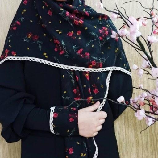 روسری و ساق دست گل قرمز