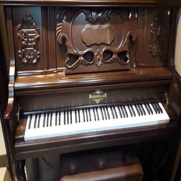 عکس پیانو آکوستیک برگمولر Burgmuller آکبند  پیانو-اکوستیک-برگمولر-burgmuller-اکبند