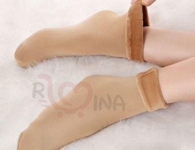 عکس جوراب زنانه زمستانی خزدار  جوراب-زنانه-زمستانی-خزدار