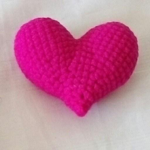 تصویر قلب برای تزیین کادو بافتنی