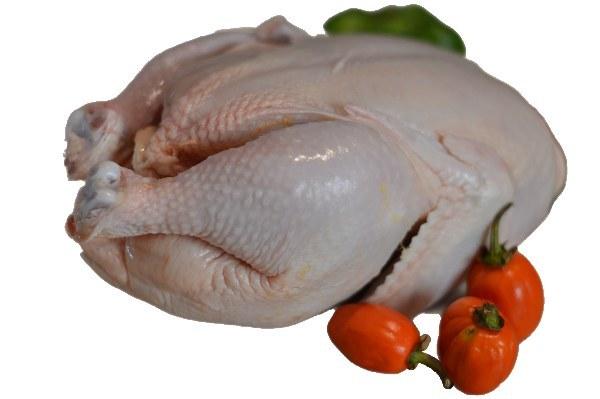 تصویر مرغ کامل تکه شده بدون پوست دو کیلوگرمی