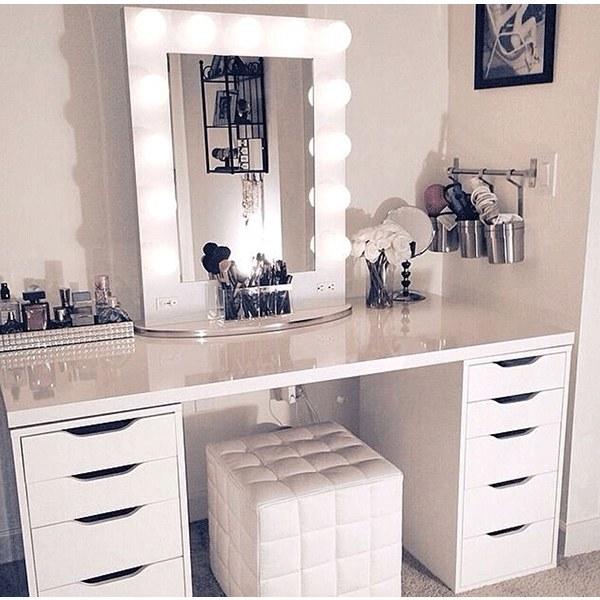 تصویر میز آرایش مدرن آینه ای - مدل شانتی