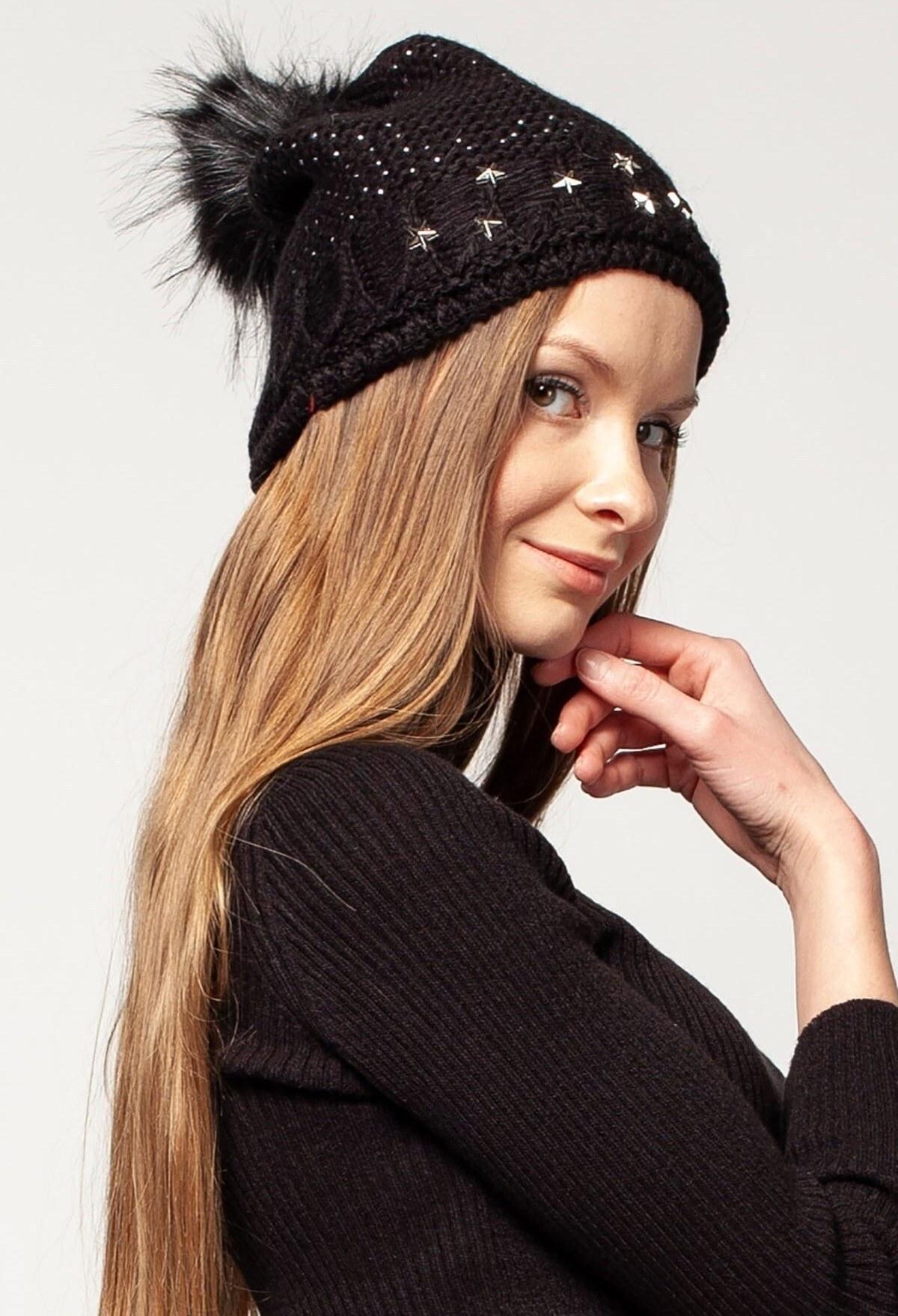 کلاه زنانه نگین دار مشکی برند Mossta کد 1608803368