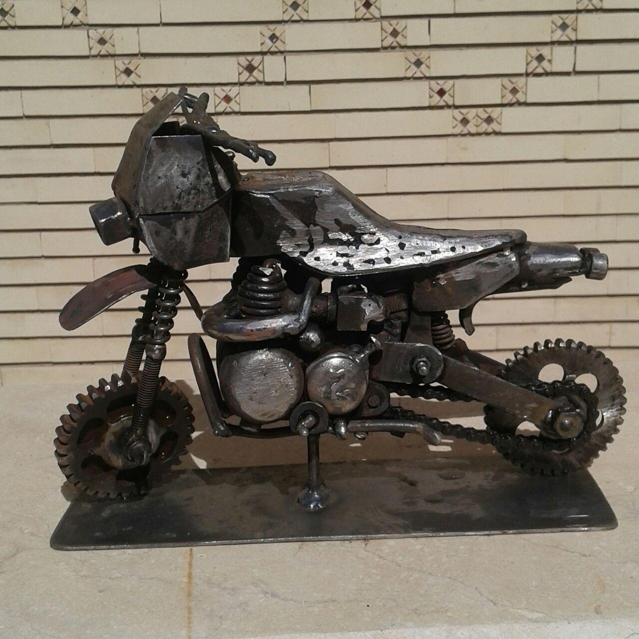مجسمه فلزی موتور سیکلت