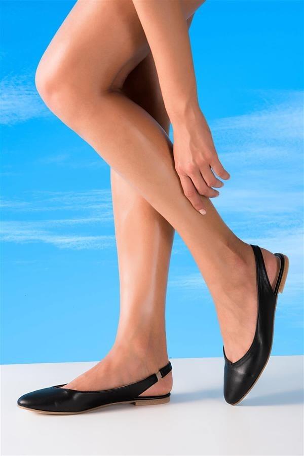 کفش چرم مصنوعی زنانه تخت مشکی بامبی 3  