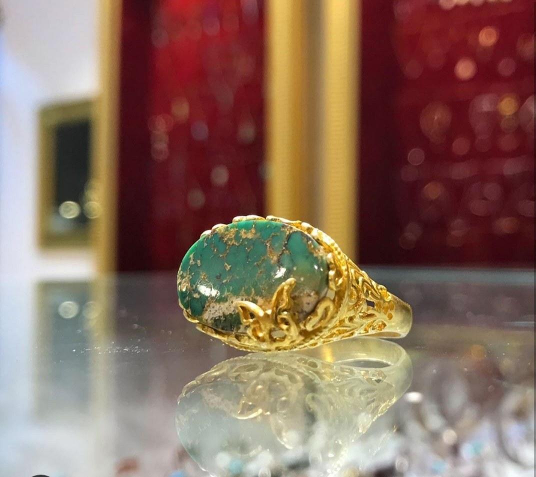 تصویر انگشتر فیروزه نیشابور با فریم نقره با آبکاری طلا زرد کد ۱۰۱۷۷۵