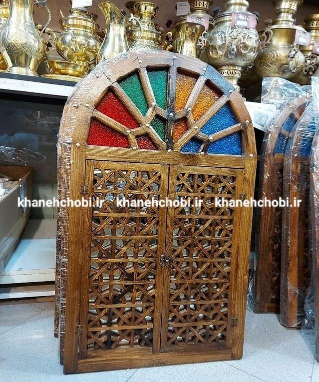 تصویر پنجره سنتی مدل دو گل