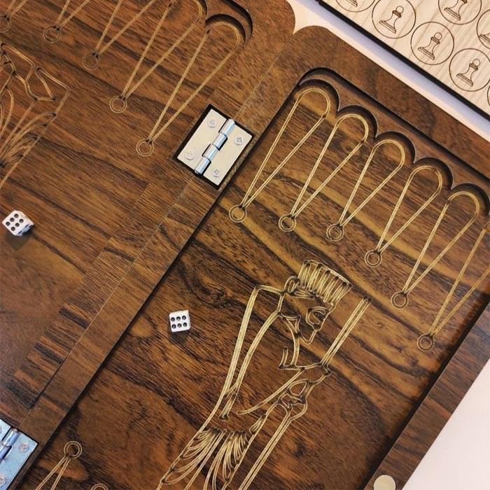 تصویر شطرنج و تخته نرد چوبی مسافرتی