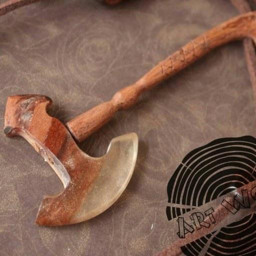 گردنبند چوب و رزین تبر