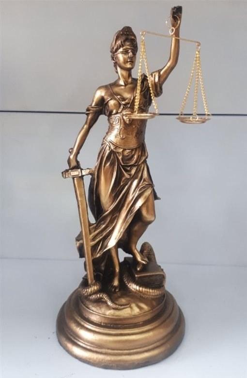 مجسمه پلی استر عدالت