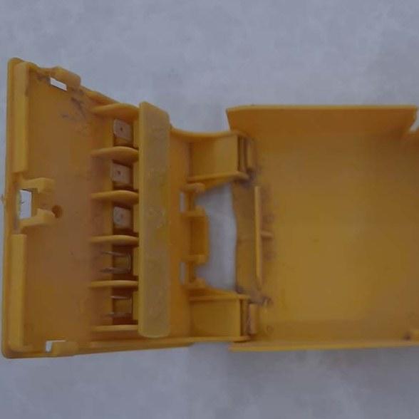 تصویر جعبه تقسیم کلید کولر