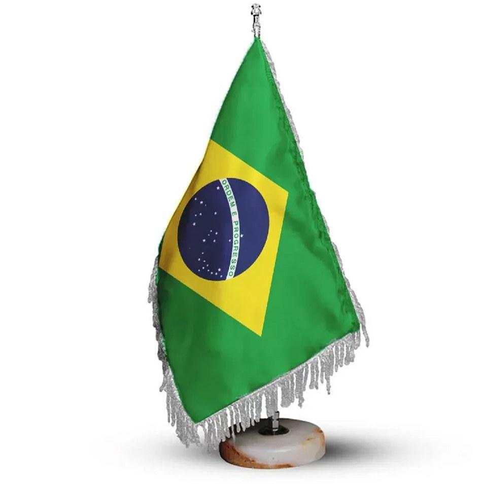 تصویر پرچم رومیزی و تشریفات کشور برزیل کد P1109