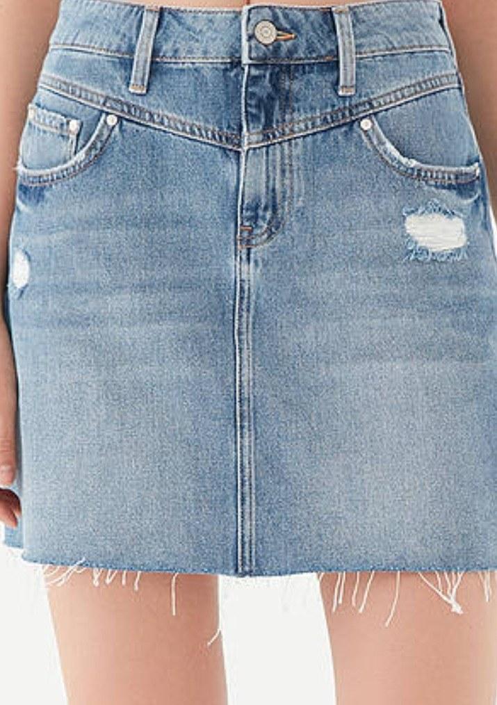 تصویر دامن کوتاه جین زاپ دار زنانه