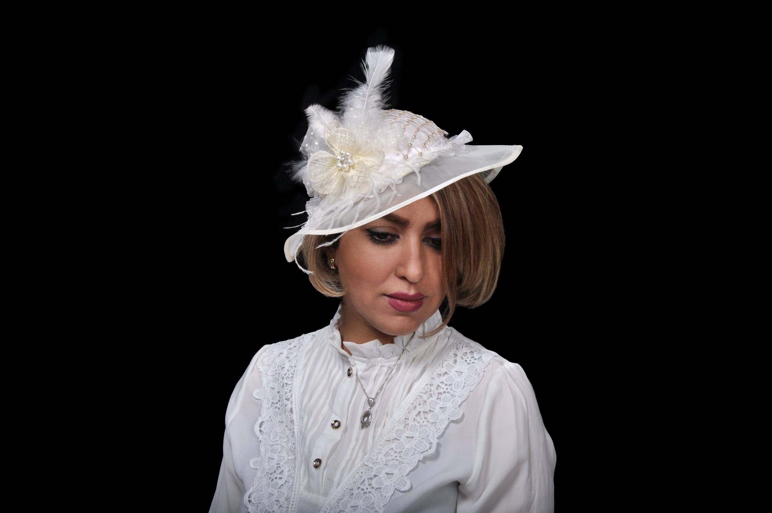 تصویر کلاه مجلسی مدل لیندا لبه تور