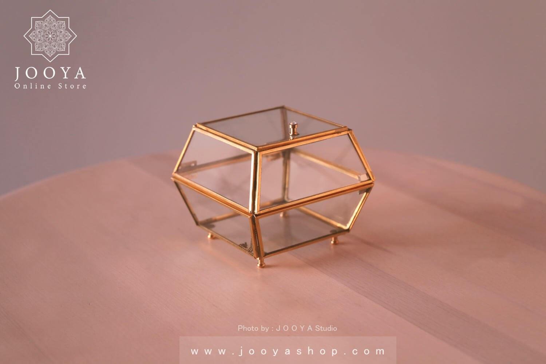 تصویر جعبه جواهرات شیشهای