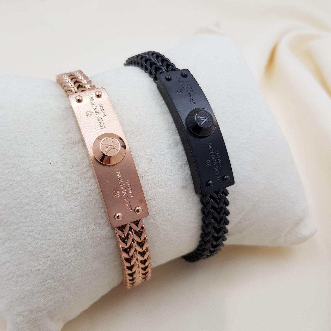 تصویر دستبند مردانه فول استیل رنگ ثابت ضدحساسیت با قفل کشویی مگنتی لویی ویتون - مشکی