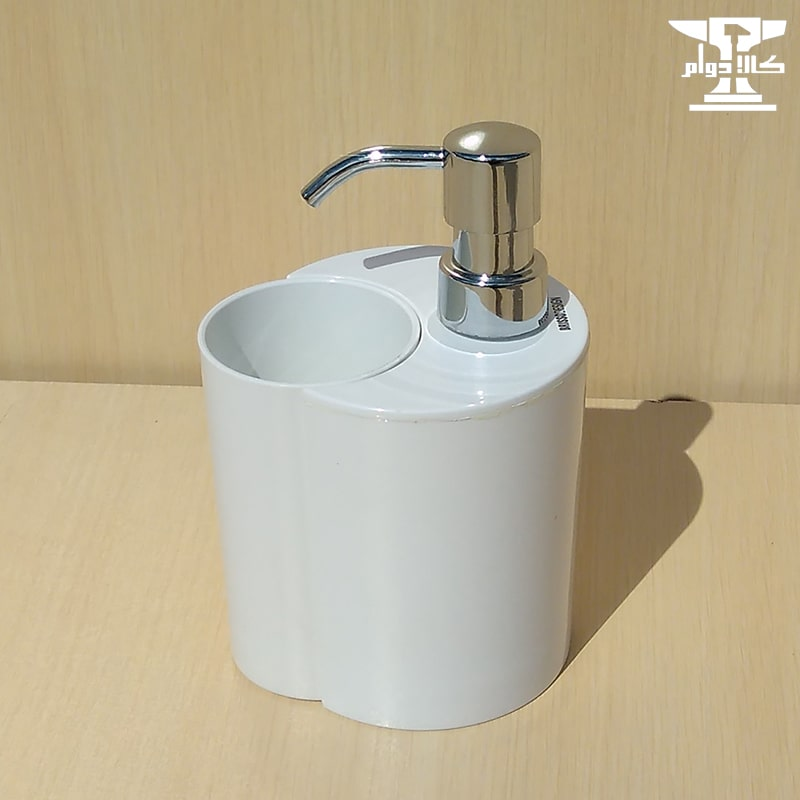 تصویر جامایع بریسو دیزاین سفید به همراه لیوان از جنس پلاستیک