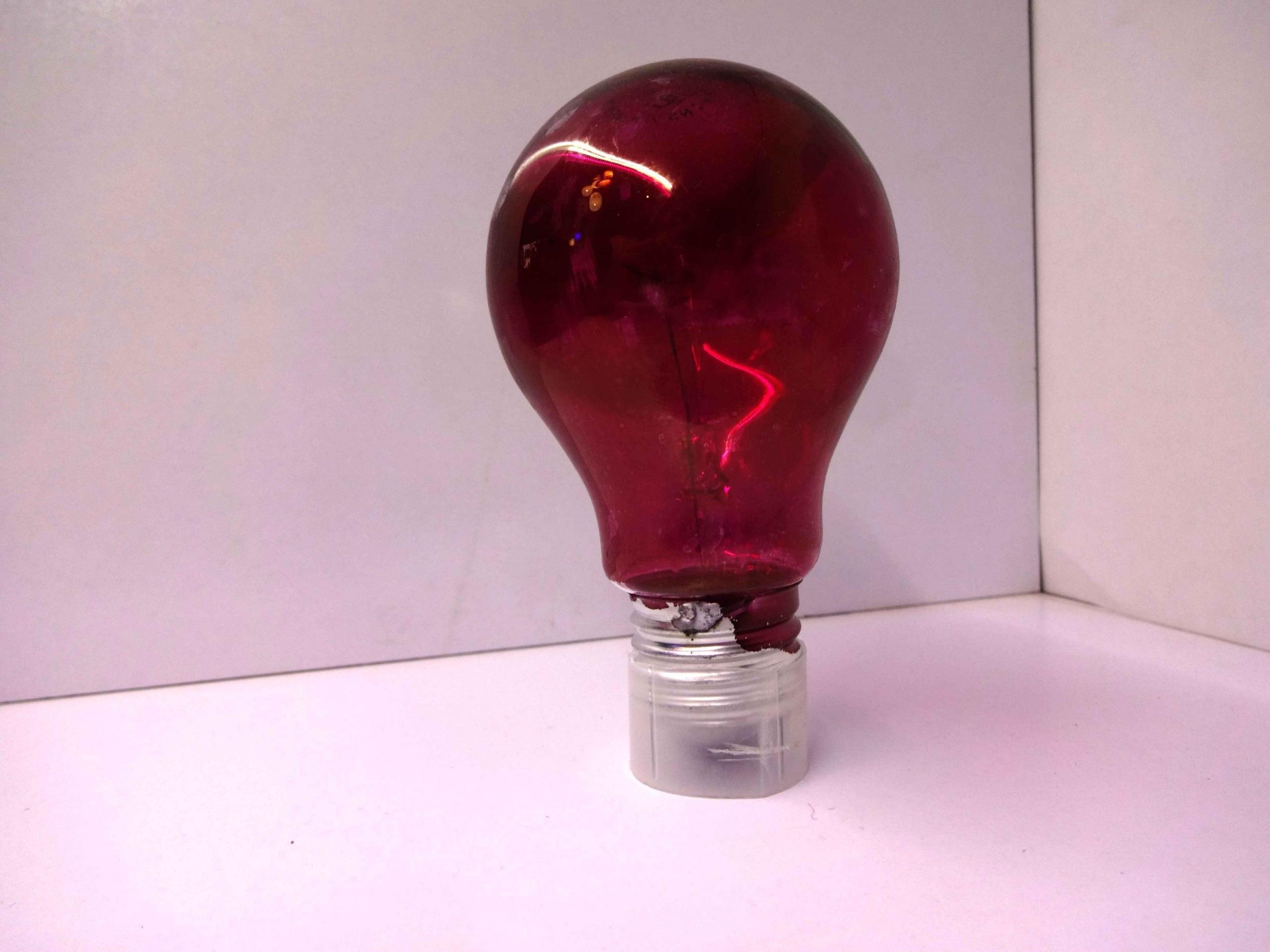 تصویر لامپ رشته ای رنگی ۴۰ وات نور