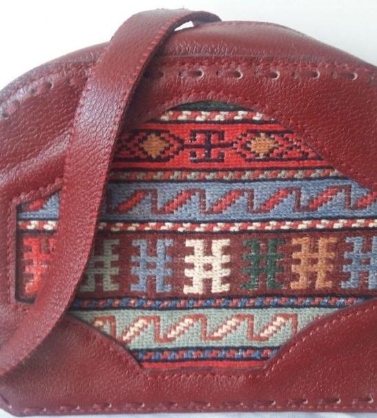 کیف دوشی زنانه طرح گلیم سنتی