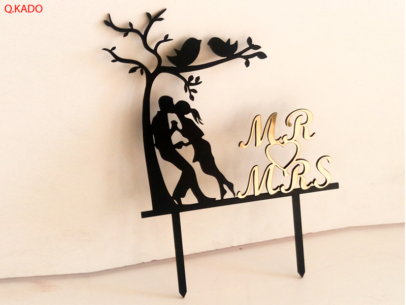 تصویر تاپر چوبی کیک طرح  mr&mrs
