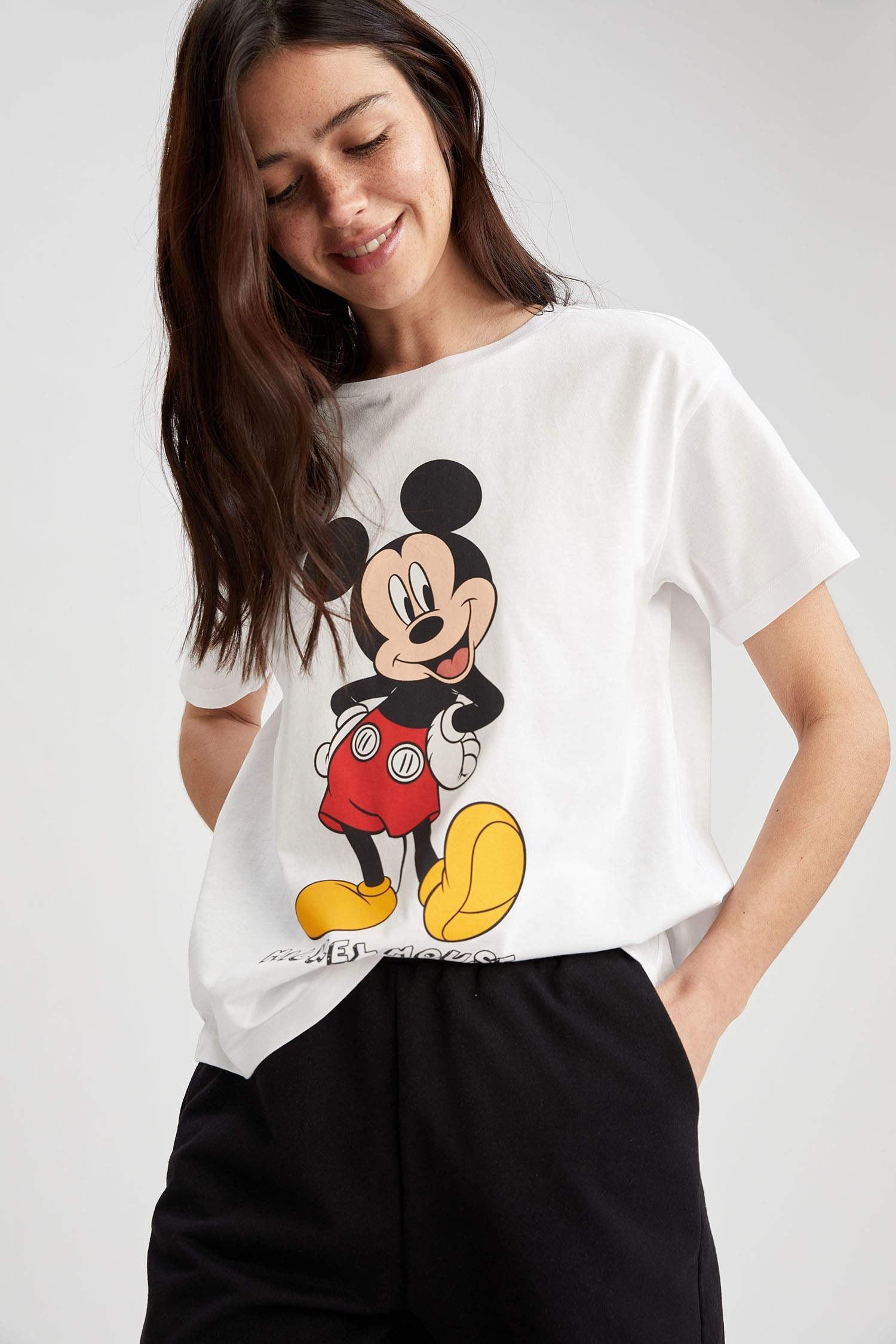 تصویر تی شرت نخی طرح میکی موس زنانه