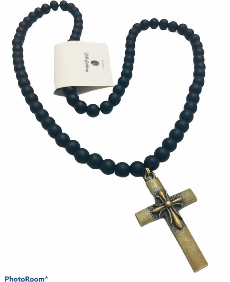 تصویر گردنبند مردانه سنگ اونیکس طرح صلیب