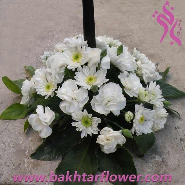 تصویر سبد گل ترحیم با میخک و داودی مینیاتوری