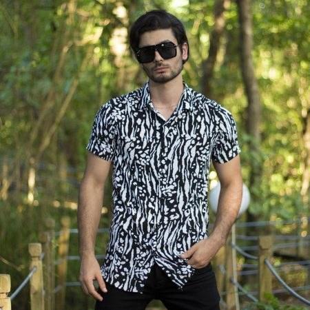 عکس پیراهن هاوایی مشکی سفید  پیراهن-هاوایی-مشکی-سفید