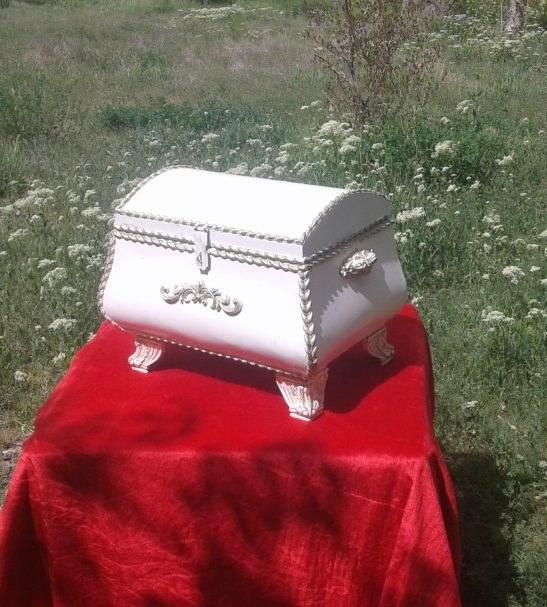 صندوقچه خمره ای سفید