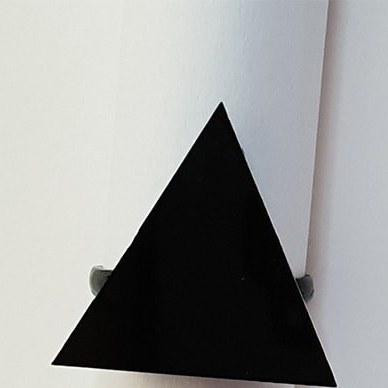 انگشتر هندسي طرح مثلث