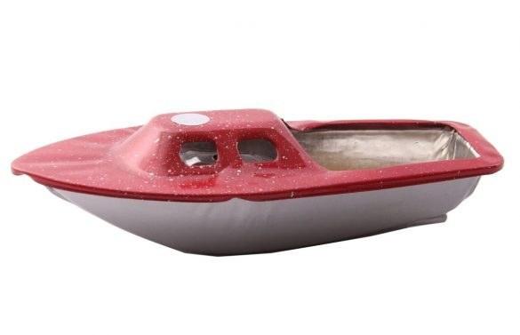 قایق نفتی تندر بزرگ قرمز