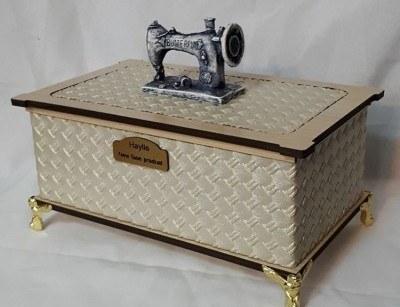 جعبه خیاطی لاکچری چوبی کرم طلایی  