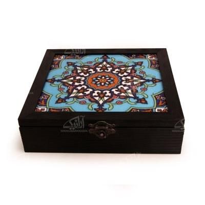 تصویر جعبه پذیرایی چوبی مربع کاشی سایز 23cm رنگ مشکی طرح ترنج