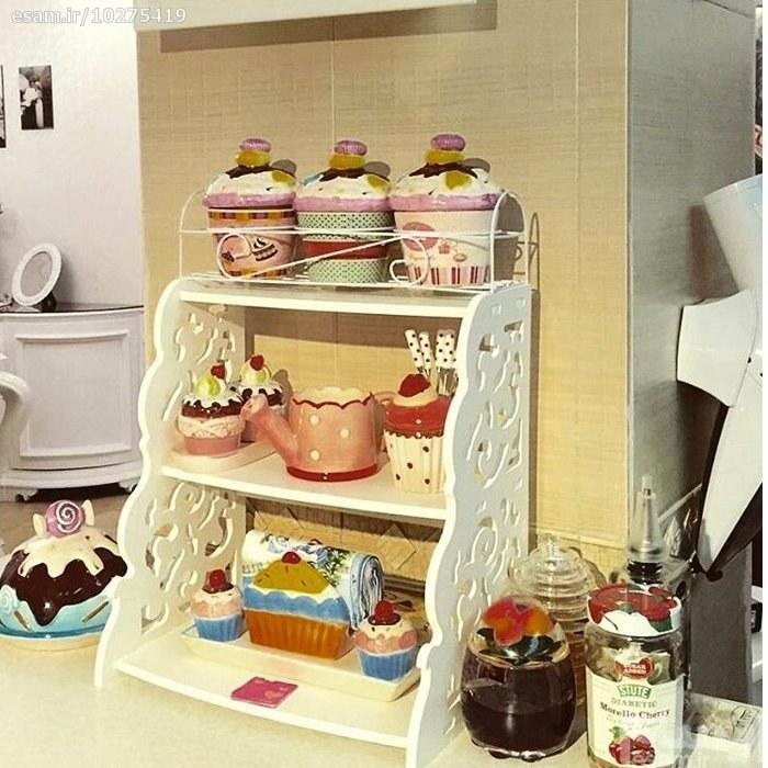 شلف جا ادویه سه طبقه   شلف جا ادویه سه طبقه مناسب برای قرار گیری وسایل مختلف نظیر ظروف ادویه ، مجسمه و وسایل تزئینی