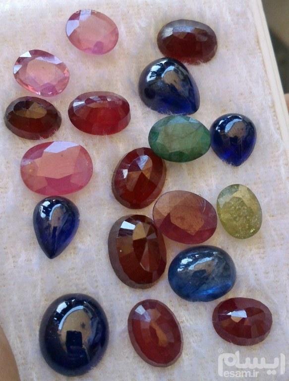 مجموعه بینظییر 80 قیراطی جواهرات | مجموعه بیینظییر از جواهرات اصیل معدنی یاقوت سرخ و یاقوت کبود و یاقوت ضورتی و زمرد و زرقون
