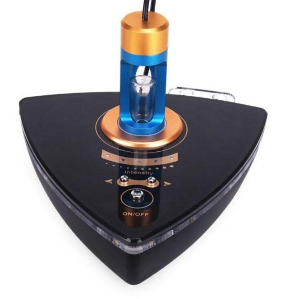 تصویر دستگاه صورت RFلیفتینگ صورت جوان سازی نور ابی LED