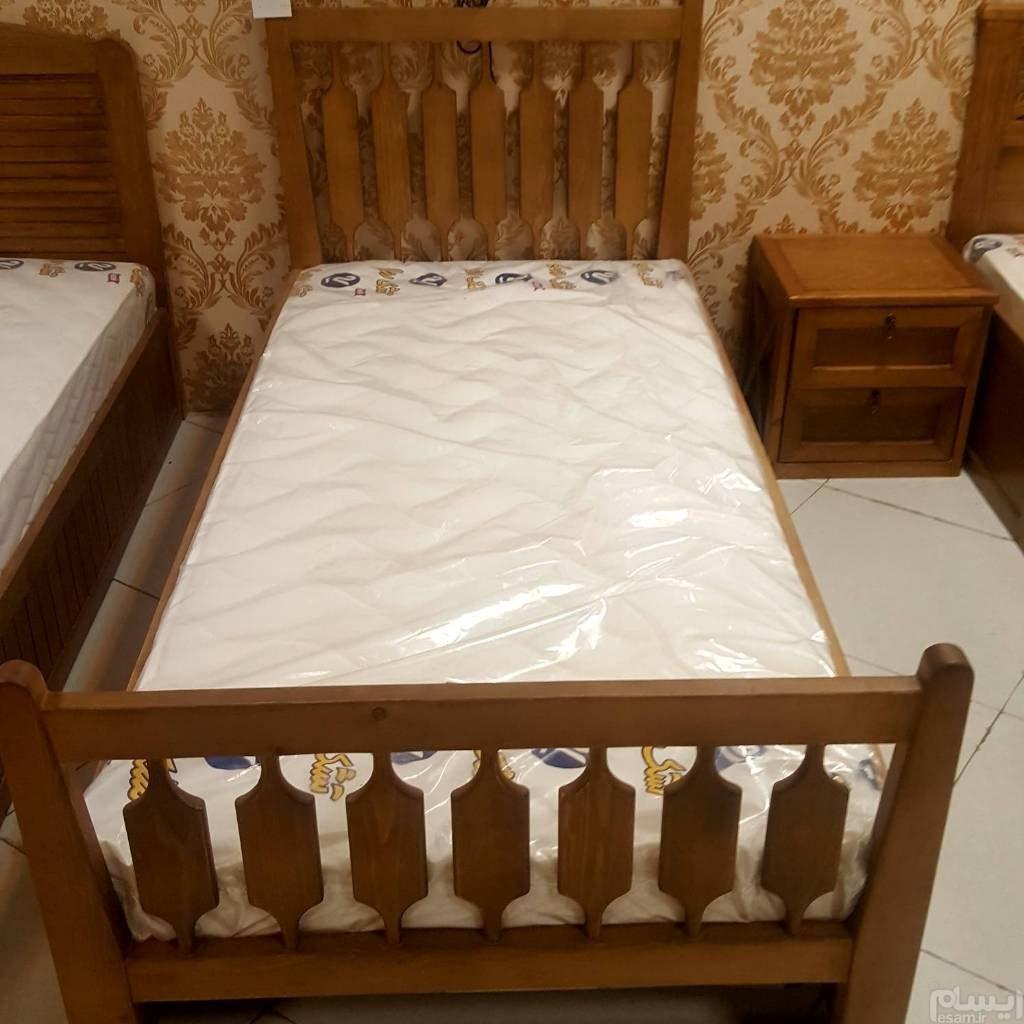 عکس تخت خواب تک نفره تمام چوب  تخت-خواب-تک-نفره-تمام-چوب