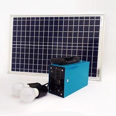 تصویر پکیج خورشیدی 20 وات دارای 2 لامپ 3 وات با باتری 7 آمپر