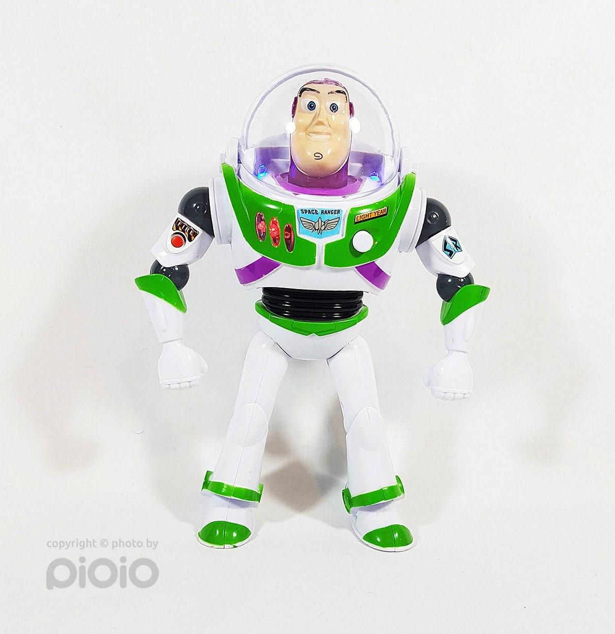 ربات اسباب بازی بازلایتر ۵