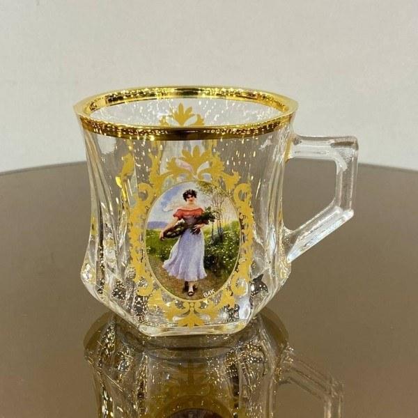 تصویر فنجان چایخوری لب طلا طرح دار