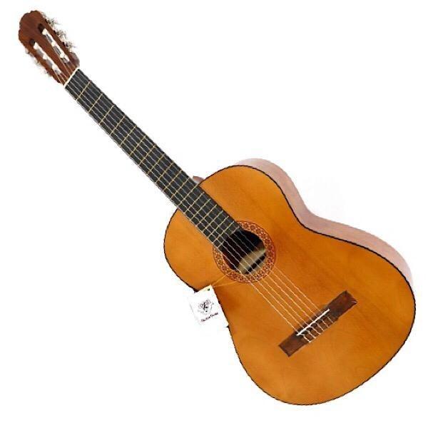 عکس گیتار کلاسیک DM آکبند  گیتار-کلاسیک-dm-اکبند