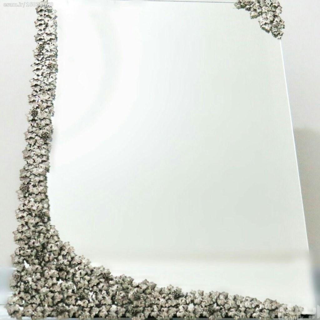 آینه عروس طرح انگور یک تکه | جنس آینه :برنج   ابعاد آینه:50.80  پشت کار تماما مخمل سورمه ای